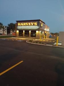 Harvey's Montréal-Nord 01